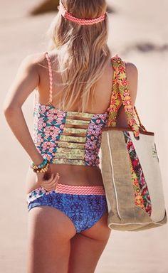 las mejores colas del mundo, fun #coral beach bag http://rstyle.me/n/i325zr9te