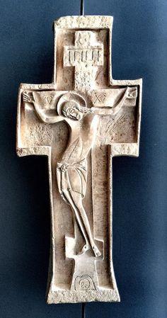 Religious Icons, Religious Art, Catholic Art, Wooden Chair Plans, Cross Symbol, Wooden Crosses, Jesus Art, Holy Cross, Stone Sculpture