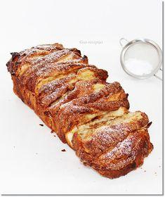 Gizi-receptjei: Almás-fahéjas legyezőkalács. Naan, Banana Bread, French Toast, Breakfast, Desserts, Oreos, Hungary, Food, Cupcakes