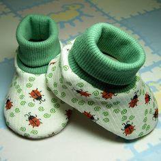 Babyschühchen mit Bündchen Pictorial der Anleitung, kein Schnittmuster / Baby Bootie Pattern. Pictorial Tutorial