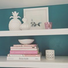 What color combos are your fav? I am always + forever drawn to #whiteonwhite…and #pink + #aqua ... #oceanlove #shelfie #shelfstyling #styling