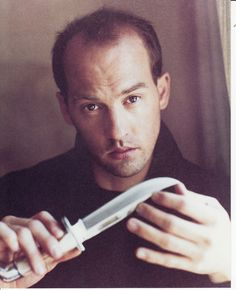 This is an 8 X 10 glossy color photograph of Anthony Edwards. This photo will ship in a rigid stay-flat mailer. Ships right away upon receipt of cleared payment. 100% guaranteed!!
