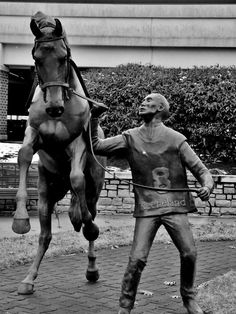Typical hot blooded thoroughbred!  Keeneland statue at Bluegrass Airport