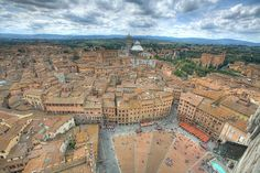 THIS ITINERARY CAN BE DOWNLOADED HERE (pdf) Siena is one of the most famous Italian cities and a place every tourist aims to visit during a trip to Tuscany. It…