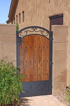 Puerta de metal con madera for Sale in Colton, CA - OfferUp Wooden Gate Door, Wood Fence Gates, Fence Gate Design, Metal Garden Gates, Privacy Fence Designs, Iron Gate Design, House Gate Design, Wooden Gate Designs, Backyard Gates