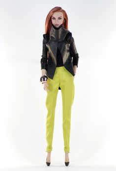 9. set (FR2 body size) set inc.: Black/Lime jumpsuit with pockets, very soft leather jacket, jewelry, shoes.