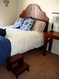 Hubby built me a guestroom bed. Bed Rest, Guest Room, Something To Do, Building, Furniture, Home Decor, Homemade Home Decor, Buildings, Guest Rooms