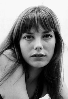 Wanting some Jane Birkin bangs Hairstyles With Bangs, Cool Hairstyles, 1970s Hairstyles, Jane Birkin Style, Perfumes Vintage, Stil Inspiration, Serge Gainsbourg, Cornrows, Dreads