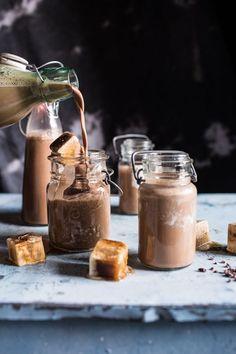 Chocolate Almond Milk with Creamy Malted Coffee Ice Cubes Schoko Mandelmilch Chocolate Almond Milk, Malted Milk, Making Chocolate, Homemade Chocolate, Cheap Chocolate, Healthy Chocolate, Delicious Chocolate, Hot Chocolate, Coffee Ice Cubes