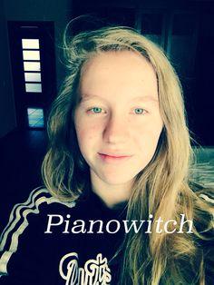 #Pianowitch #musician #poet #songwriter ... Ad pulchritudinem ego excitata sum, elegantia spiro et artem efflo. Я пробуждена к красоте, дышу изяществом и излучаю искусство.
