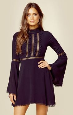 WILLOW BELL SLEEVE