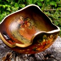 Bark edge bowl decorated with rosemaling in the Turid original style