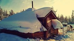 A cute accommodation under the sun and surrounded by the snow ❄️ We are going to this amazing place in January to hunt Aurora Borealis (darkness time) and in February for an adventurous multiple day husky safari, have a look on our website http://www.thetravelcapsule.com/aurora-borealis/  #lapland #finland #aurora #auroraborealis #magical #adventure #winter #snow #sun #huskies #snowmobile #snowshoes #wild #energetic #astrological #sauna #massages #activities #free #spirit #nature…