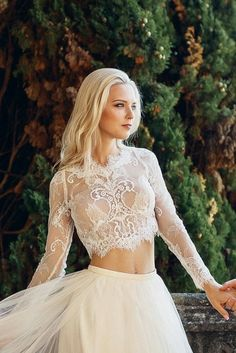 Alluring Floral Wedding Dresses Plus Size Ideas - Couture Wedding Gowns - Gold wedding gowns Gold Wedding Gowns, Classic Wedding Gowns, Couture Wedding Gowns, Rustic Wedding Dresses, Wedding Dresses Plus Size, Princess Wedding Dresses, Lace Weddings, Designer Wedding Dresses, Wedding Lace