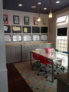 #decoración #kids #study // colorful kids' study area with gray built-in cabinets.
