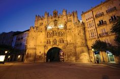 On a recent trip, I was able to spend a few hours in the cities of Burgos and Aranda de Duero in northern Spain. My brief visit left me with a remarkable impression of Spain and it's many traditions. Text and photo by: Le Thu Giang Burgos – A holy land of historic churches Located …