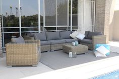 כיסוי לריהוט גן יוקרתי - למה לטרוח? Outdoor Sectional, Sectional Sofa, Outdoor Furniture Sets, Outdoor Decor, Furniture Design, Table, Home Decor, Google, Garden