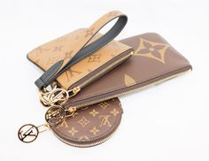 The Louis Vuitton Trio Pouch is composed of three different pouches that can be carried separately or connected together for use as a wristlet. Louis Vuitton Small Handbag, Louis Vuitton Coin Purse, Louis Vuitton Monogram, Apple Brand, Leather Conditioner, Slg, Large Handbags, Luxury Bags, Cowhide Leather