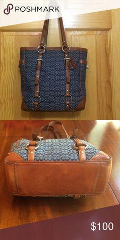 Coach signature handbag Authentic original coach handbag. Genuine leather, slight wear. Adjustable straps, multiple pockets. Navy liner, no holes! Coach Bags Shoulder Bags