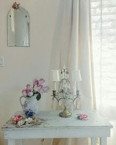 48 of the most trending minimalist decor ideas to keep now Simply Shabby Chic, Shabby Chic Pink, Shabby Chic Style, Shabby Chic Decor, Shabby Chic Farmhouse, Shabby Cottage, Farmhouse Style, European Home Decor, White Home Decor