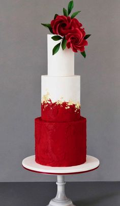 Red & White Wedding Cake Best Picture For wedding cake toppers For Your Taste You are looking for something, and it is going to tell you exactly what you are looking for, and you didn't find that pict Wedding Cake Red, Amazing Wedding Cakes, Fall Wedding Cakes, Wedding Cake Designs, Wedding Cake Toppers, Wedding White, Best Cake Designs, Red Rose Wedding, Boho Wedding