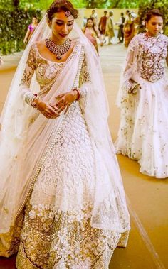 Looking for Bridal Lehenga for your wedding ? Dulhaniyaa curated the list of Best Bridal Wear Store with variety of Bridal Lehenga with their prices Indian Bridal Wear, Indian Wedding Outfits, Pakistani Bridal, Bridal Outfits, Bridal Lehenga, Indian Wear, Indian Outfits, Bridal Dresses, Indian Weddings