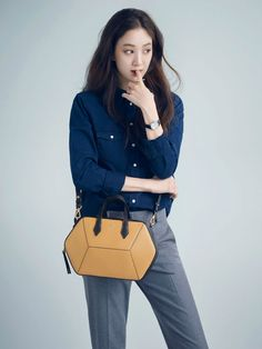 Jung Ryeo Won in Ravenova Bag Campaign Latest Fashion Trends, Trendy Fashion, Womens Fashion, Jung Ryeo Won, Korean Drama Movies, Korean Actresses, Minimal Chic, Beautiful Actresses, Celebrity Crush