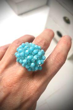 Bague en perles de rocailles et perles à facettes en verre