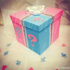 GENDER REVEAL Box x - Filled with Pink or Blue party Confetti! Gender Reveal Gifts, Gender Reveal Balloons, Baby Gender Reveal Party, Balloon Box, Baby Shower Party Games, Virtual Baby Shower, Large Balloons, Blue Party, Reveal Parties