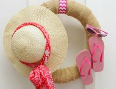 "A quick and easy craft project to make this ""I'm Ready for the Beach"" Summer Wreath featuring flip flops, sunglasses, and a sunhat and scarf. The perfect addition to your front door for summertime. Summer Door Wreaths, Beach Wreaths, Old Wicker, Diy Wreath, Wreath Ideas, Burlap Wreaths, Quick And Easy Crafts, Easy Craft Projects, Craft Ideas"