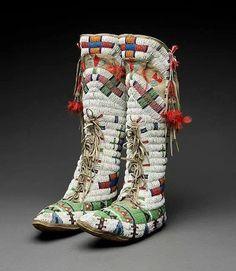 Lakota beaded moccasins from the Beautiful Native American Moccasins, Native American Clothing, Native American Beauty, Native American Artifacts, Native American Beadwork, American Indian Art, Native American History, Native American Indians, Native Indian