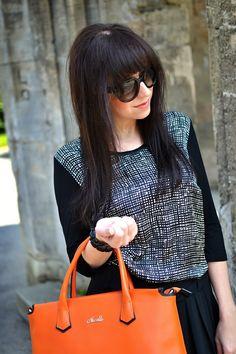 OKORENENÁ KLASIKA_Katharine-fashion is beautiful_Katarína Jakubčová_fashion blogger #outfit #ootd #spring #JEJ #fashion #black&white #skirt
