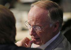 Alabama Gov. Robert Bentley, right, talks with  Tennessee Gov. Bill Haslam…