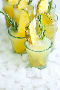 All you need is 5 ingredients and 5 minutes for this refreshing, beautiful cocktail. Perfect for any occasion or get-together!It's summer in LA. The post Pineapple Prosecco Punch appeared first on Damn Delicious. Party Drinks, Cocktail Drinks, Cocktail Recipes, White Wine Cocktail, Punch Recipes, Alcohol Recipes, Easy Recipes, Non Alcoholic Drinks, Drink Recipes