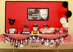 Photos by Bello: Mickey Mouse 1st Birthday | Children Photography