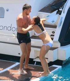One Direction Liam Payne shares passionate kisses with his girlfriend aboard a luxurious boat in France - Read more at: http://celebritynews.com.au/one-direction-liam-payne-shares-passionate-kisses/#prettyPhoto #liampayne #1d ##onedirection