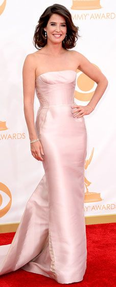 Cobie Smulders impresses at the 2013 Emmy Awards in a J.Mendel gown and Irene Neuwirth jewelry.