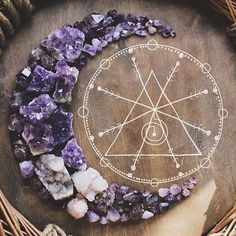 Amethyst moon - so beautiful and cosmic. Crystal Magic, Crystal Grid, Amethyst Crystal, Crystal Mandala, Purple Amethyst, Crystals And Gemstones, Stones And Crystals, Wiccan, Witchcraft