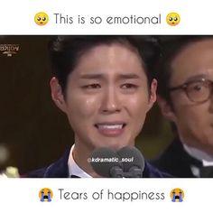 Bts Aesthetic Wallpaper For Phone, Aesthetic Wallpapers, Korean Drama List, Drama Gif, Happy Tears, Chinese Actress, Korean Actors, Kdrama, Besties