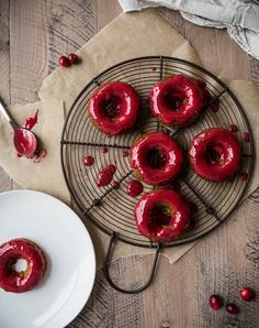 Gingerbread Cake Donuts with Cranberry Glaze (Gluten-Free, Vegan) – Salted Plains