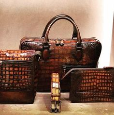 This alligator briefcase is handmade by professional craftsmen. Can be used as lawyers briefcase, shoulder bag, laptop bag, or hand carry functional briefcase. Long Leather Coat, Leather Bag, Nigerian Men Fashion, Mens Fashion, African Dresses Men, Crocodile, Business Laptop, Leather Accessories, Briefcase