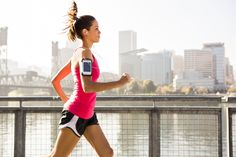 Running a marathon this autumn? Whether it's your first time or not, this guide is full of running tips, training advice and gear suggestions to make your run as successful as possible. Fitness Tracker, Fitness Tips, Fitness Motivation, Health Fitness, Daily Motivation, Fitness Goals, Fitness Sport, Power Walking, Outdoor Workouts