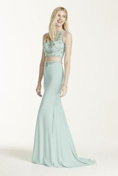 Get ready to be the BEST dressed at prom this year in this sexy two piece!