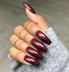 Adding some glitter nail art designs to your repertoire can glam up your style within a few hours. Check our fav Glitter Nail Art Designs and get inspired! Sexy Nails, Prom Nails, Trendy Nails, Acrylic Nail Designs, Nail Art Designs, Nails Design, Acrylic Art, Dark Acrylic Nails, Latest Nail Designs