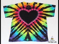 Diy Tie Dye Paint, Tie Dye Painting, Tie Dye Crafts, Rainbow Tie Dye Shirt, Black Tie Dye Shirt, Tie Dye Tips, How To Tie Dye, Diy Tie Dye Heart, Cool Tie Dye Designs