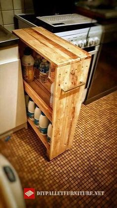 We would like you to take a look at this DIY pallet laundry room rack, a very new pallet creation and is a perfect example of custom-built pallet furniture! Diy Kitchen Storage, Laundry Room Storage, Palette Deco, Cuisines Diy, Pallet Creations, Diy Pallet Projects, Wooden Kitchen, Pallet Furniture, Custom Furniture