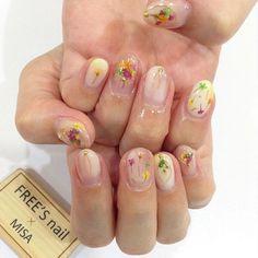 ☆dry flower nail☆ Designed by☞ クリエイター/奥井 美沙(@freesnail_m) #freesnail#funside#kobe#sannomiya#nail#nailart#FUDGE#神戸#三宮#ネイル#セルフネイル#ジェルネイル#ジェル#sea#シール#smile#seal#nailseal#天然石ネイル#ネイル#2017トレンドネイル#可愛い#cute#onlyone#love #dryflower