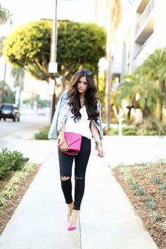 casual outfit with a touch of pink