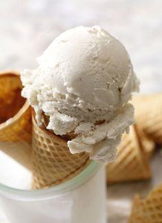 Frozen Yogurt, Greek Yogurt, Sweet Recipes, Ice Cream, Desserts, Food, No Churn Ice Cream, Tailgate Desserts, Deserts