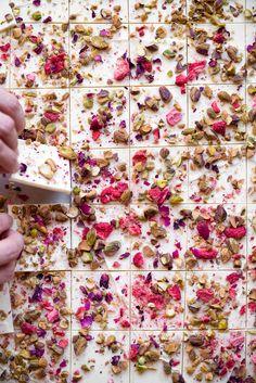 "sweetoothgirl: ""Rose, Strawberry & Pistachio White Chocolate Bark With Pink Sea Salt "" White Chocolate Bark, Pink Chocolate, Homemade Chocolate Bark, Chocolate Party, Romantic Candle Light Dinner, Candlelight Dinner, Diy Unicorn, Coconut Flower, Vegan Wedding Cake"